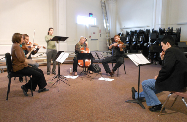 Jennifer Higdon watching the Cypress Quartet and Christine Brandes rehearsing